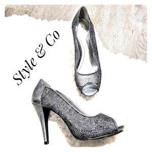 EUC ~ STYLE & CO Silver Mesh Sparkly Heels